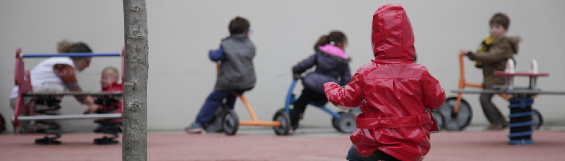 Garde d'enfants crèches et micro-crèches