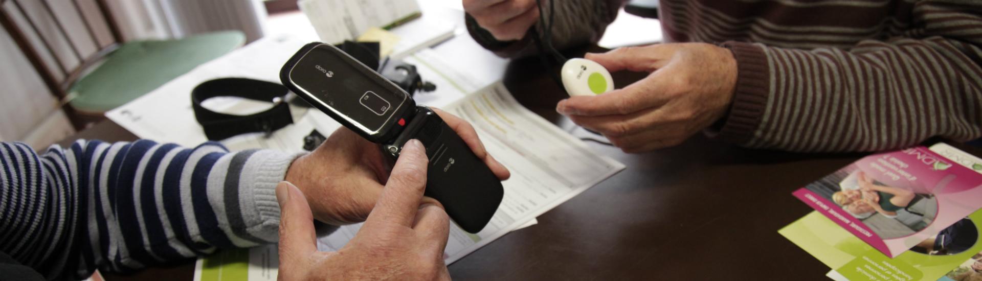 Téléassistance Téléphone et bouton d'urgence